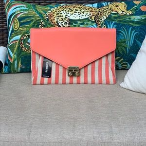 NWT Express summer clutch